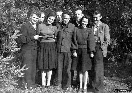 Політв'язні. 1955. Інта